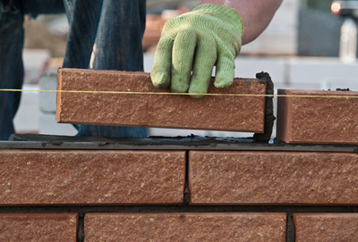 cretae-a-straight-line-to-lay-the-bricks.jpg